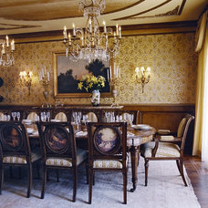 Traditional Dining Room by Just Joh