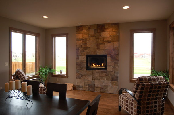 Modern Dining Room by Dietrich Homes