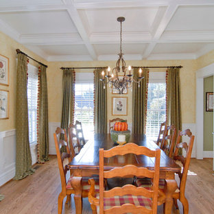 Example of a farmhouse dining room design in Charleston
