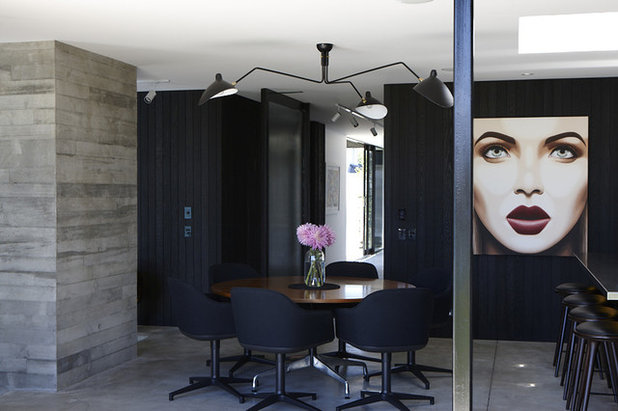 Contemporary Dining Room by Andrew Meiring Architects
