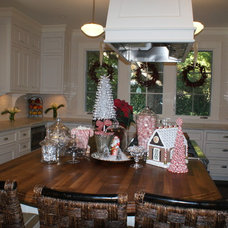 Contemporary Dining Room Finishing Touches- Junior League of Palo Alto-Mid Peninsula Holiday House Tour
