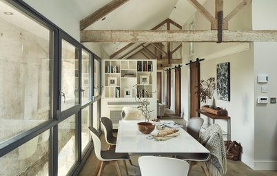 Houzz Tour: An 18th Century Coach House is Creatively Renovated