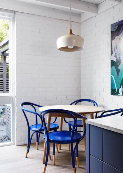 Contemporary Dining Room by Lisa Breeze Architect