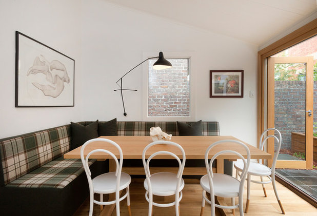 Eclectic Dining Room by MR.MITCHELL