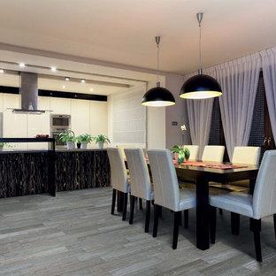 Idee per una sala da pranzo aperta verso la cucina tropicale di medie dimensioni con pareti bianche e pavimento in gres porcellanato
