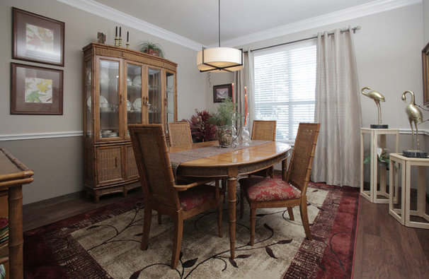 Transitional Dining Room by Lindsay von Hagel