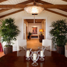 Tropical Dining Room by Giffin & Crane General Contractors, Inc.
