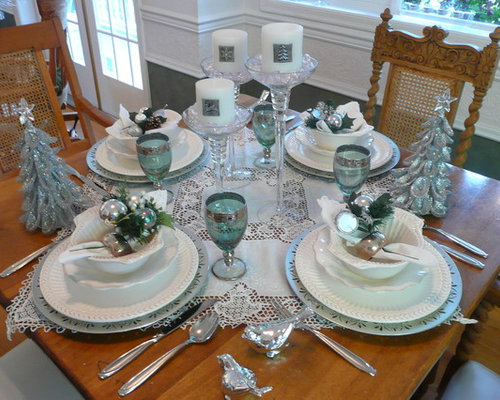 Blue and silver christmas tablescape home design ideas for How to set a beautiful dinner table