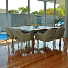 Contemporary Dining Room by Jennie Hunt