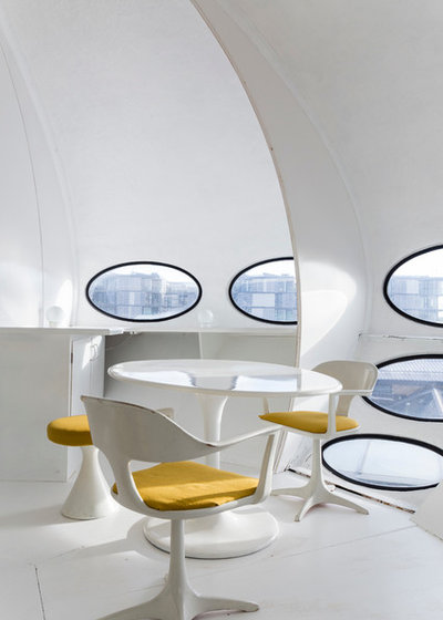 Modern Dining Room by Chris Snook