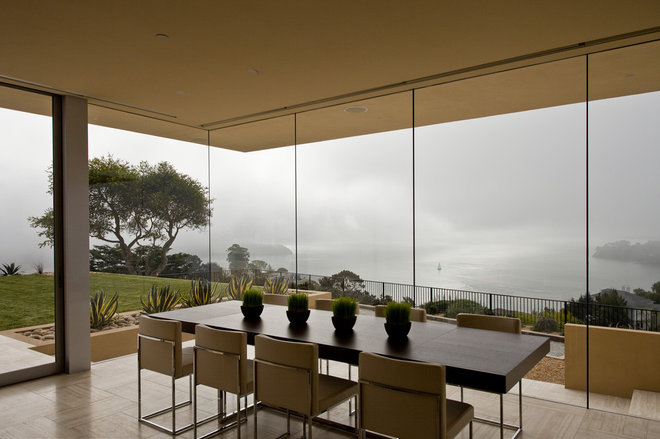 Modern Dining Room by Swatt | Miers Architects