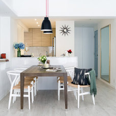 Modern Dining Room by hoo Interior Design & Styling