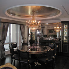 Traditional Dining Room by Marie-Pierre Ayoul Decorative painting
