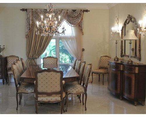 Photo Of A Medium Sized Traditional Open Plan Dining Room In Los Angeles With Beige Walls