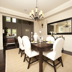 contemporary dining room by Globus Builder