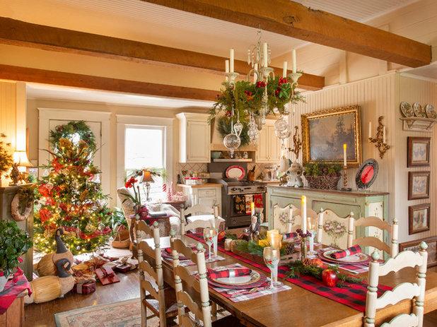 Farmhouse Dining Room by Rikki Snyder