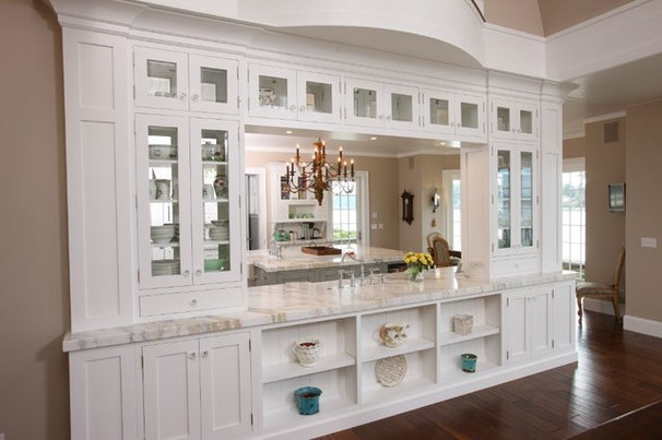 Traditional Dining Room by Midwest Stone Source & Custom Cabinetry | Rockford