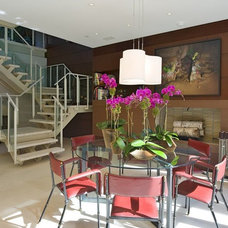 Modern Dining Room by Michael Haverland Architect