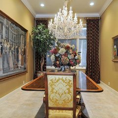 traditional dining room by Bella Luna Services, Inc.