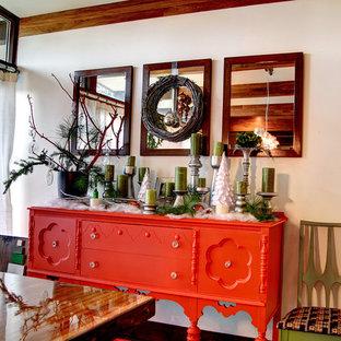 Idee per una sala da pranzo shabby-chic style con pareti bianche