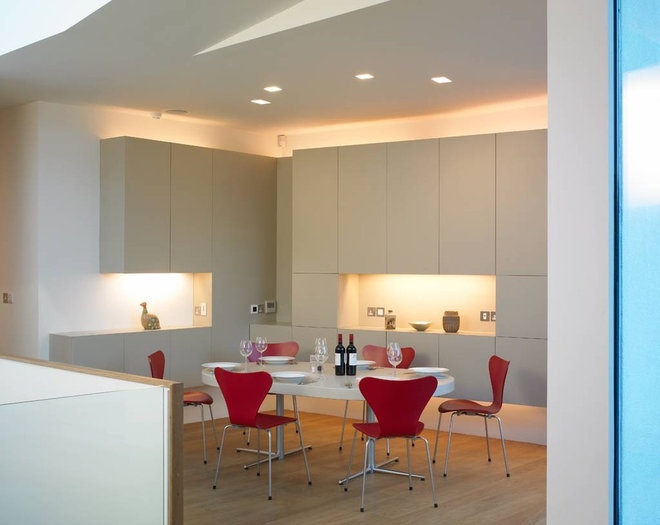 Modern Dining Room by David Churchill - Architectural  Photographer