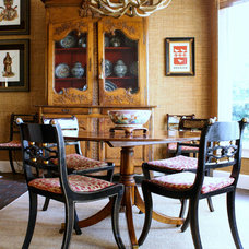 Traditional Dining Room by Mina Brinkey
