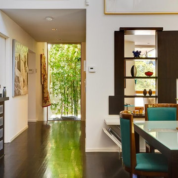 Hall towards the entry from Great Room by MGS architecture