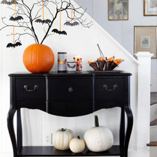 Dining Room Halloween Deco