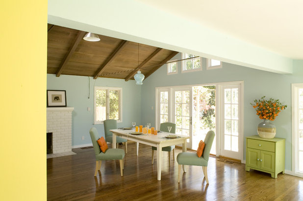 Rustic Dining Room by Mark English Architects, AIA