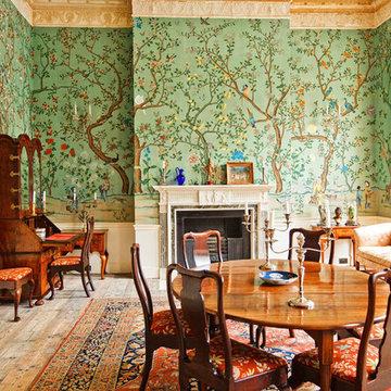 Handprinted Chinoiserie wallpaper in interior design