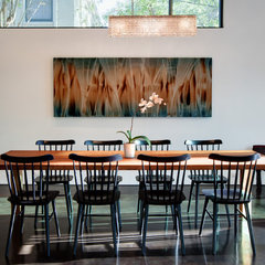 modern dining room by Hugh Jefferson Randolph Architects