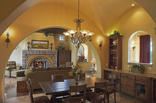 Rustic Dining Room by Vanguard Studio Inc.