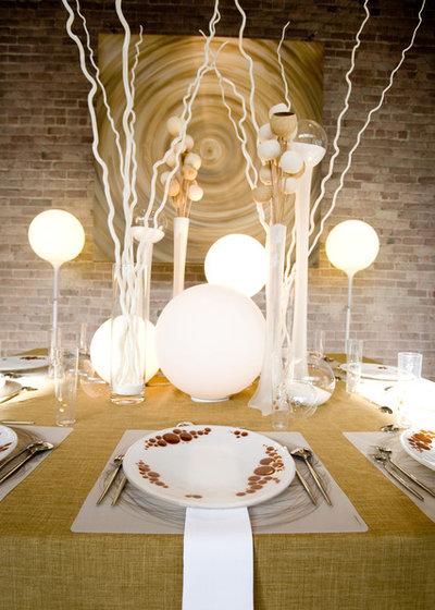 Contemporary Dining Room by HERMOGENO DESIGNS