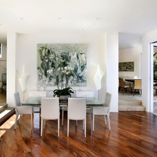 Modern Dining Room by DNM Architect
