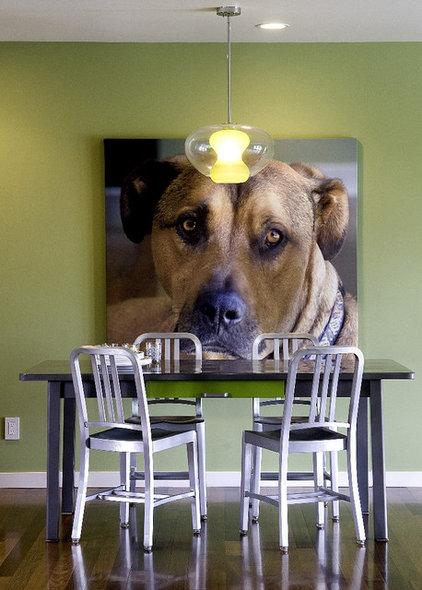 Modern Dining Room by Jennifer Kesteloot