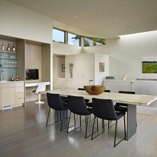 Ispirazione per una sala da pranzo aperta verso il soggiorno minimalista