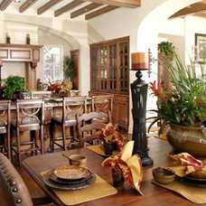 Traditional Dining Room by Showhomes