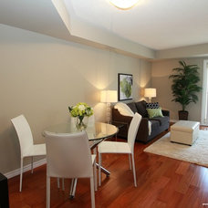 Contemporary Dining Room by Feels Like Home 2 Me~ Home Staging in Toronto West
