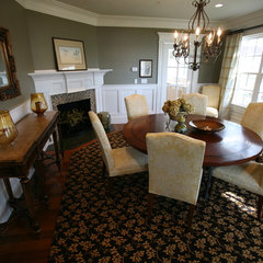 traditional dining room by Beth Goldfarb