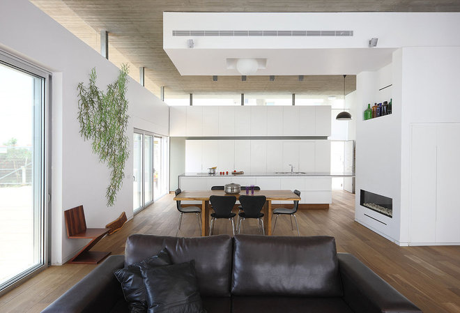 Modern Dining Room by Amitzi Architects