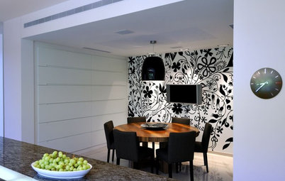 Botanicals Gone Wild: Wallpapers that Wow