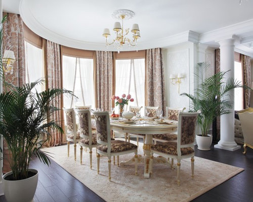 Exceptional Dining Room   Traditional Dining Room Idea In Yekaterinburg With Beige Walls
