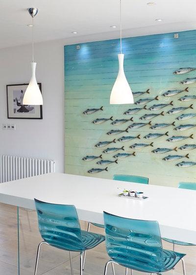 Coastal Dining Room by LA Hally Architect