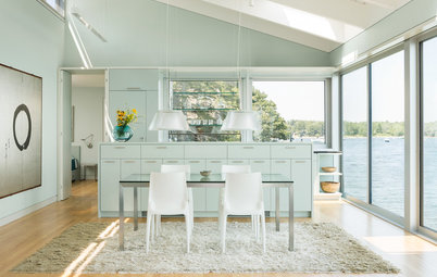 Houzz Tour: Battling the Tides Results in a Wondrous House on the Water