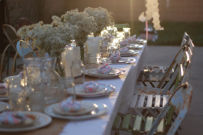 Eclectic Dining Room HOUZZ Holiday Contest: A Pretty Backyard Party
