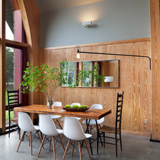 Modern Dining Room by Barlis Wedlick Architects, Hudson River Studio
