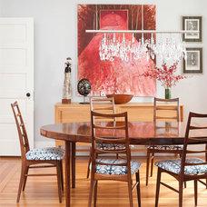 Traditional Dining Room by MANDARINA STUDIO interior design