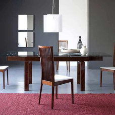 Modern Dining Room by Pomp Home