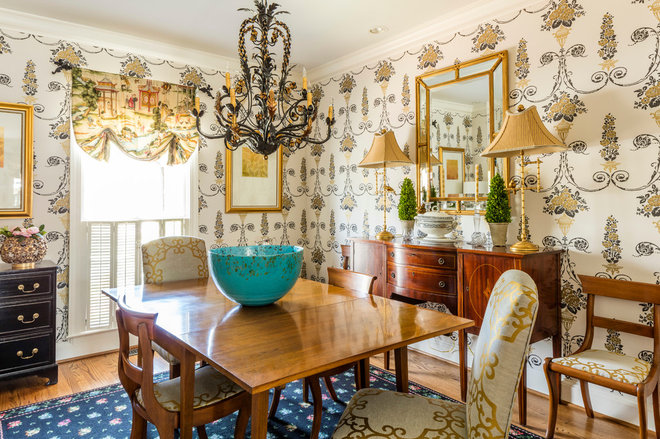 Traditional Dining Room by The Very Thing Ltd