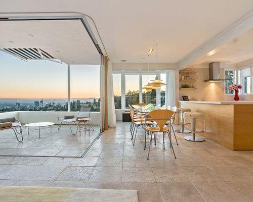 Sala da pranzo moderna con pavimento in travertino foto for Sala da pranzo e soggiorno